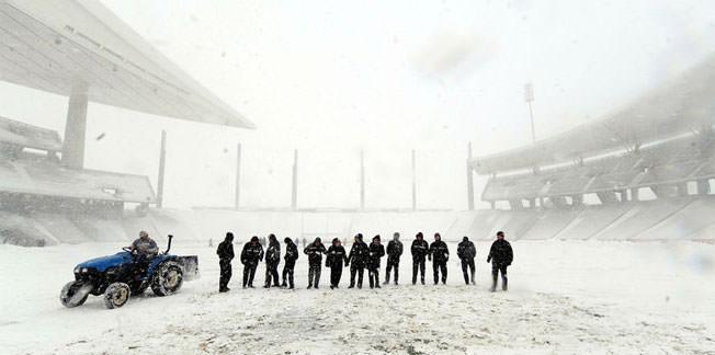 İBB - Karabükspor maçına kar engeli