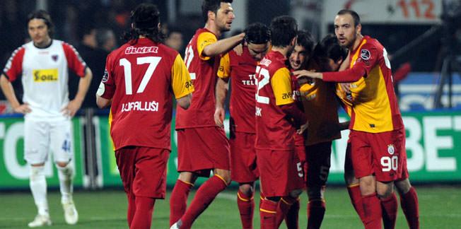 Galatasaray liderliğini sürdürdü