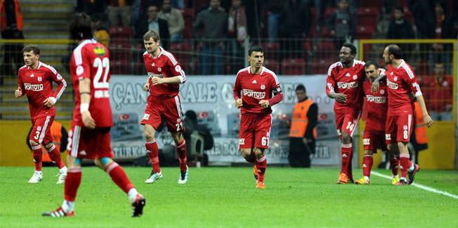 Sivasspor galibiyet hasretine son verdi
