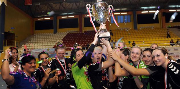 Antalya Muratpaşa Belediye şampiyon oldu