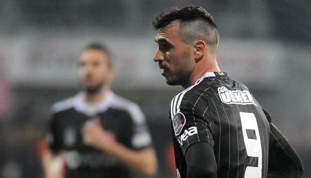 3 maç cezası bitti forvet Almeida'nın