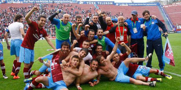 1461 Trabzon'a kutlama