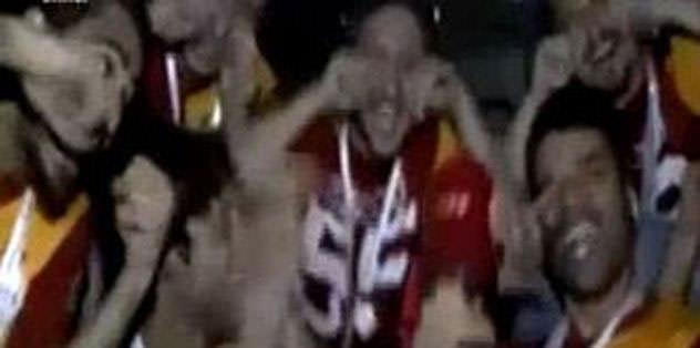 Futbolculardan ağlamayın esprisi