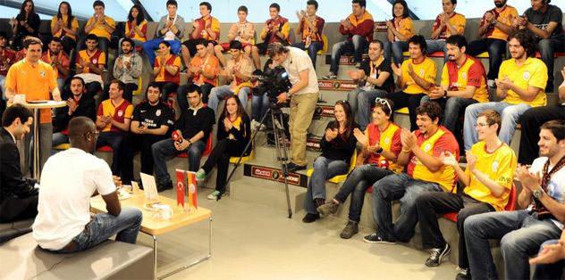 Eboue, Galatasaray Store'u boşalttı