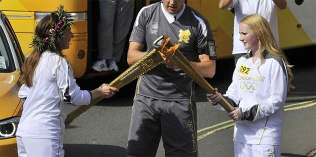 Olimpiyat meşaleleri zengin ediyor