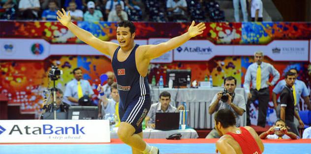 Emre Muyan altın madalya kazandı