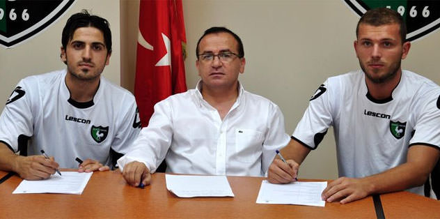 Denizlispor'da iki imza