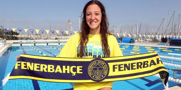 Fenerbahçe'den Galatasaray'a yüzmede çalım