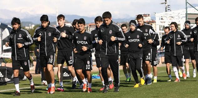 Beşiktaş'ın Antalya kampı sürüyor