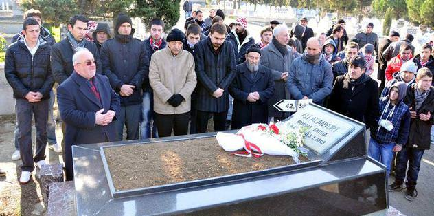 Samsunspor 'futbol şehitlerini' andı
