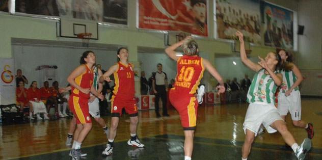 Galatasaray çok rahat: 77-62