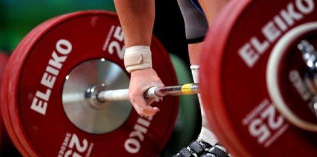 Halterde 'doping istifaları'