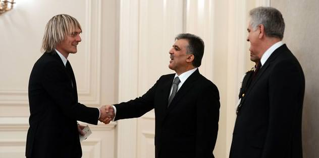 Milos Krasic Köşk'e çıktı