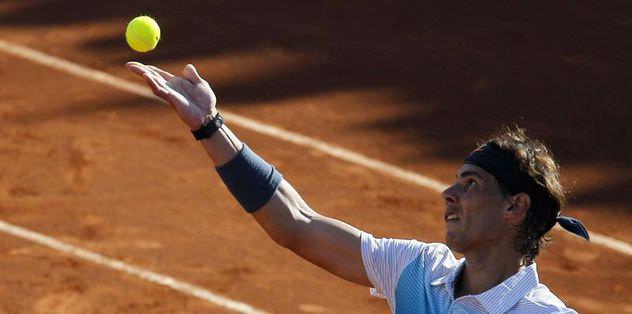 Nadal galibiyetle döndü
