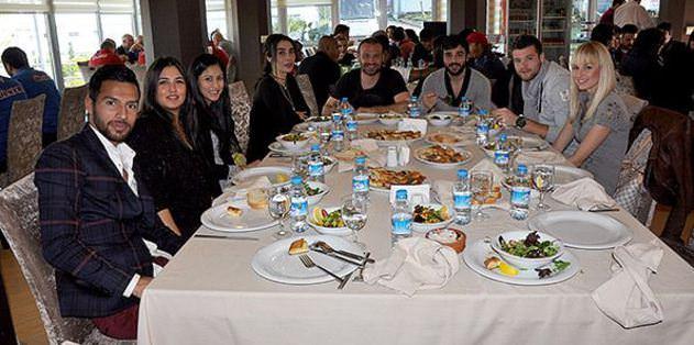 Fenerbahçe maçı öncesi kaynaşma yemeği
