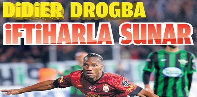 Didier Drogba iftiharla sunar
