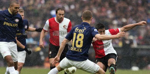 PSV liderliğini korudu