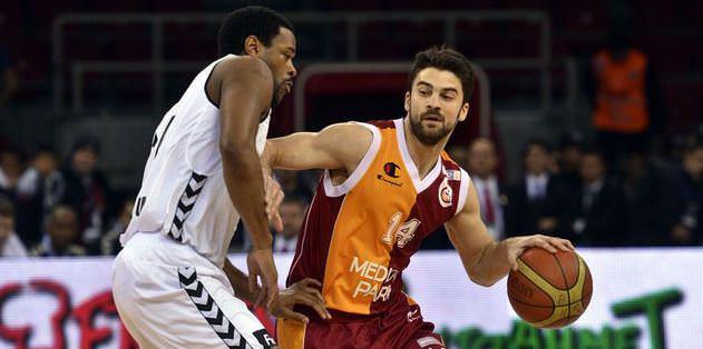 G.Saray, Beşiktaş'ı evinde vurdu: 76-72
