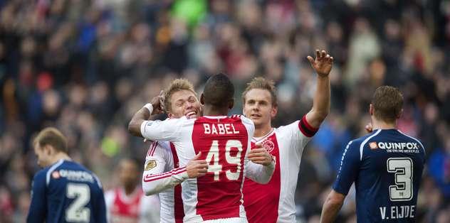 Ajax  arayı açıyor