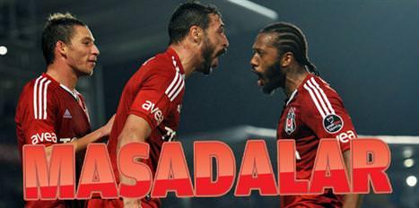 Fernandes ve Almeida masada