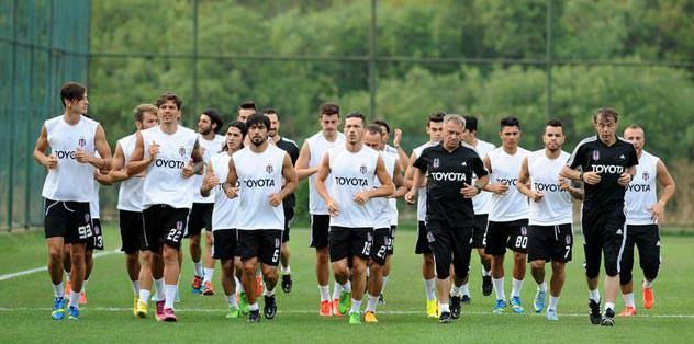 8 futbolcu İstanbul'da kalacak