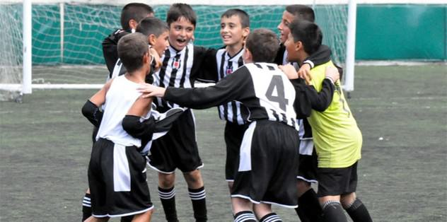 Frankfurt'a futbol okulu