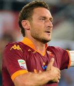 Totti 2 yıl daha Roma'da