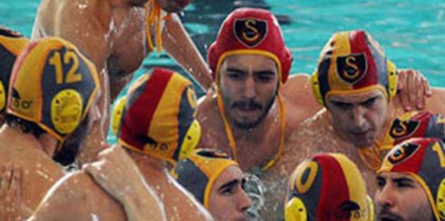 G.Saray havuza iniyor