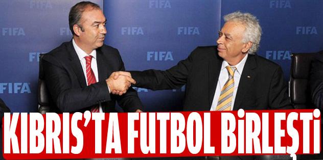 Kıbrıs'ta futbol birleşti