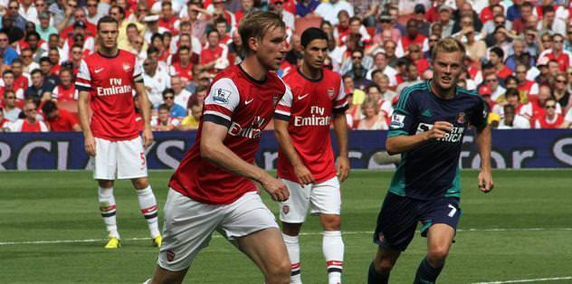 Arsenal'den çifte imza