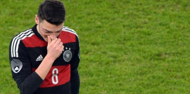 Mesut Ozil booed by German fans