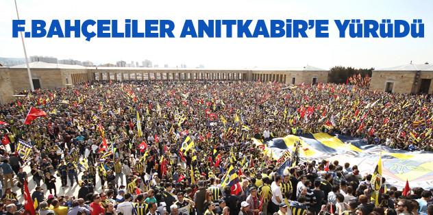 Fenerbahçeliler Anıtkabir'e yürüdü