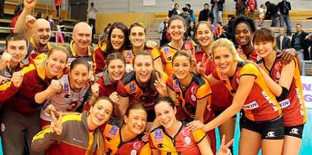G.Saray&Vakıfbank yarı finalde