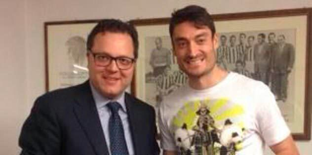 Riera, Udinese ile imzaladı