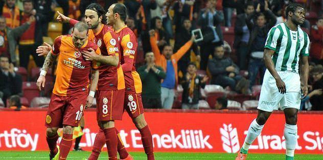 Sneijder'den şok hareket!