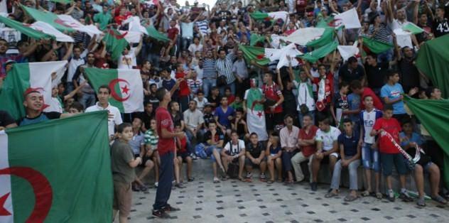 Algeria qualify to the last 16