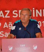 Alp'ten Özkahya'ya eleştiri