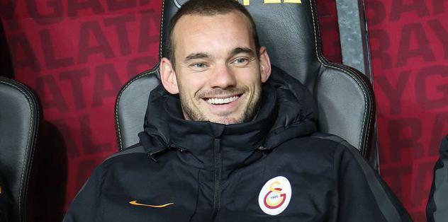Sneijder'i yönetim yedek bıraktı