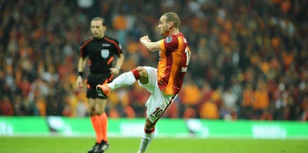 Gerrard Sneijder'i çağırıyor