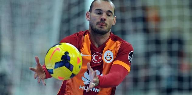 Sneijder oynatmama tercihi doğru