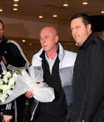 Partizan'a çiçekli karşılama