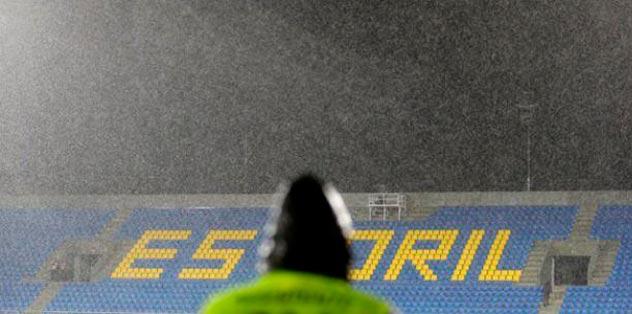 Estoril-PSV yarıda kaldı