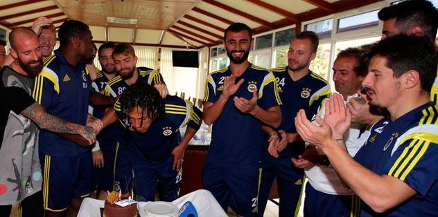 Alves 33'üne bastı