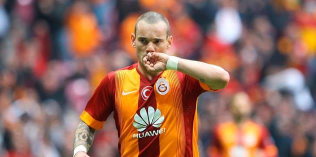 Sneijder görev başında