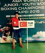 Boksta Busenaz Sürmeli dünya şampiyonu oldu