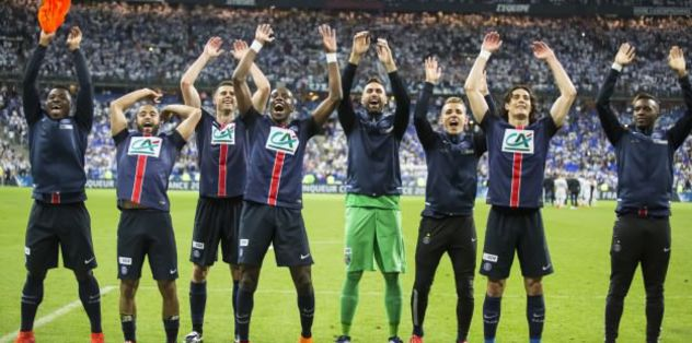 Paris Saint-Germain renews Pastore's contract