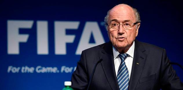 Blatter istifa etti