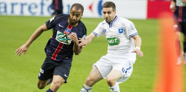 Lucas Moura to stay with Paris Saint-Germain
