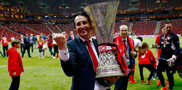 Emery 1 yıl daha uzattı