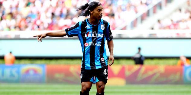 Ve Ronaldinho Süper Lig'de!